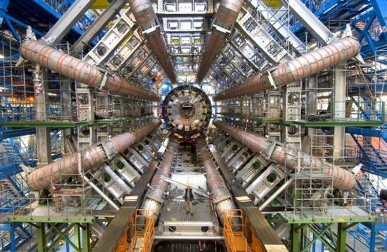 CERN/LHC/GridPP