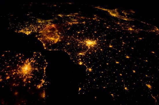 Земля из космоса европа ночью